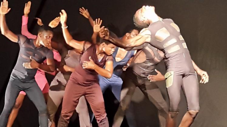 'Iwalewa' choreographed by Qudus Onikeku for British Council sponsored DisFix. Oct 2015. Credit: Eniola A. Soyemi
